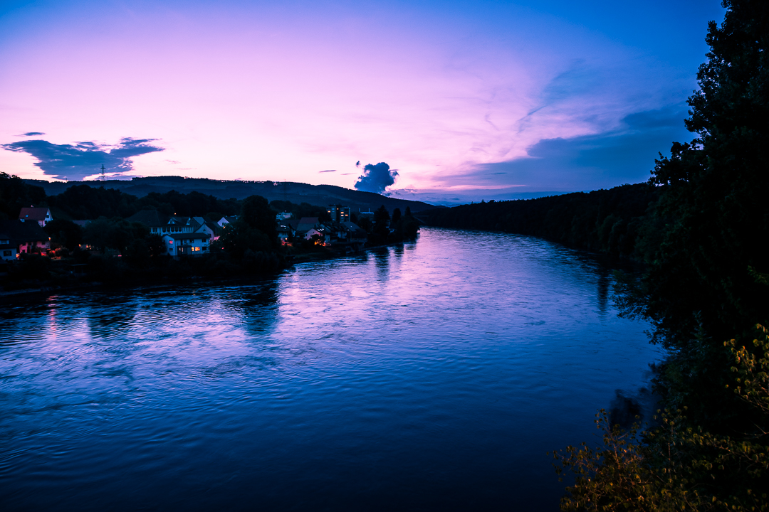 Dusk over the Aare - Atmosphere at dusk over the Aare (Switzerland).